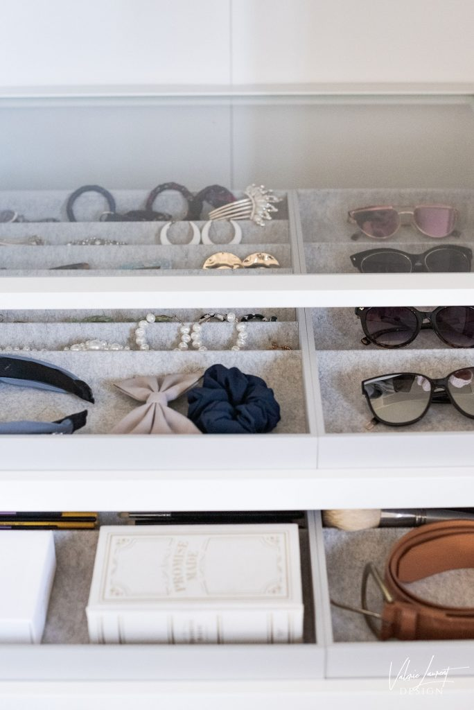 Valerie Laurent Design Boudoir Walk-in closet make-up station